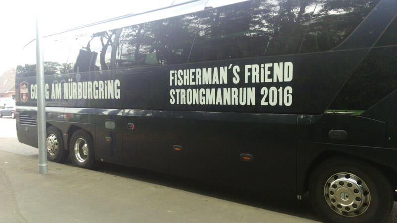 02elf Travel GmbH & Co KG - Fahrzeug Branding | Go Big am Nürburgring - Fisherman's Friend Strongmanrun 2016 Bild 01